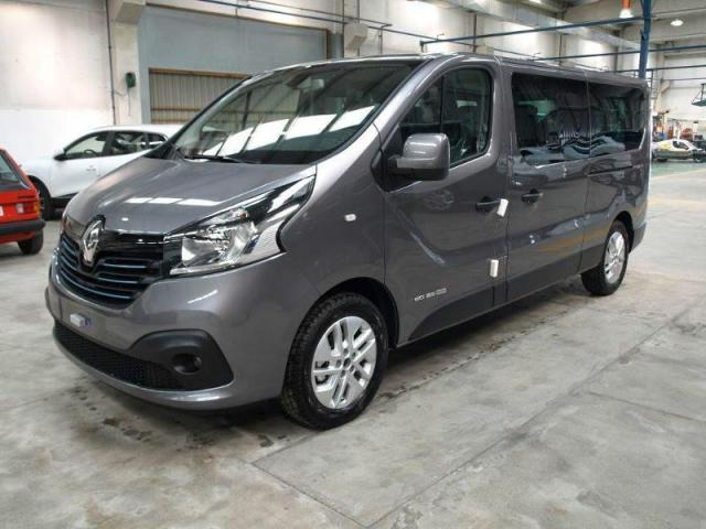 voiture occasion renault trafic passenger 1 6 dci 125ch 8 places 2017 diesel 49610 saint melaine. Black Bedroom Furniture Sets. Home Design Ideas