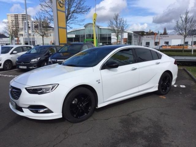 voiture occasion opel insignia 1 6 d 136ch blueinjection elite 2018 diesel 53000 laval mayenne. Black Bedroom Furniture Sets. Home Design Ideas