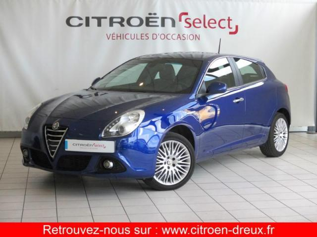 voiture occasion alfa romeo giulietta 1 4 tb multiair 170ch distinctive stop start tct 2014. Black Bedroom Furniture Sets. Home Design Ideas