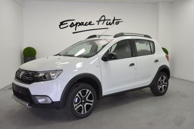 voiture occasion dacia sandero 0 9 tce 90ch stepway 2018 essence 29000 quimper finist re. Black Bedroom Furniture Sets. Home Design Ideas