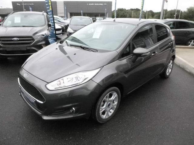 voiture occasion ford fiesta 82ch edition 5p 2016 essence 44800 saint herblain loire. Black Bedroom Furniture Sets. Home Design Ideas