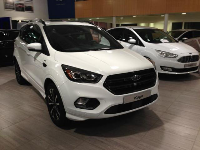 voiture occasion ford kuga 2 0 tdci 150ch stop start st line 4x2 2016 diesel 56000 vannes. Black Bedroom Furniture Sets. Home Design Ideas