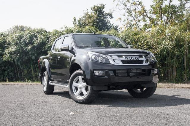 voiture occasion isuzu d max 2 5 td 163 crew quasar a c. Black Bedroom Furniture Sets. Home Design Ideas