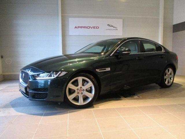 voiture occasion jaguar xe 2 0 200ch prestige bva8 2015 essence 44800 saint herblain loire. Black Bedroom Furniture Sets. Home Design Ideas
