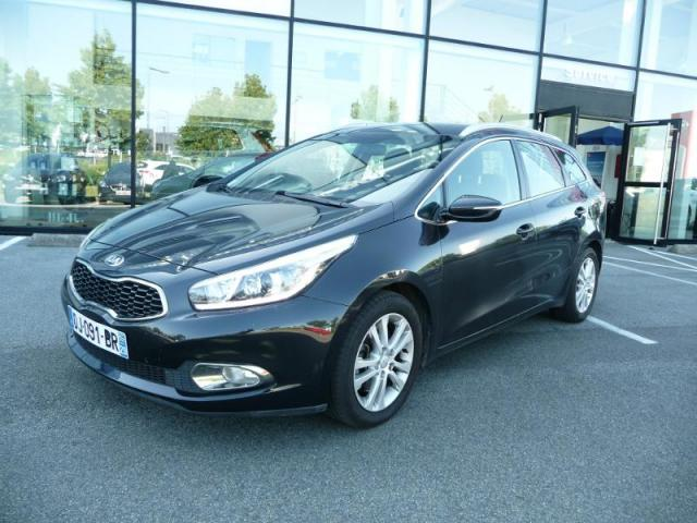 voiture occasion kia cee 39 d sw 1 6 crdi 128ch active 2014 diesel 29200 brest finist re. Black Bedroom Furniture Sets. Home Design Ideas