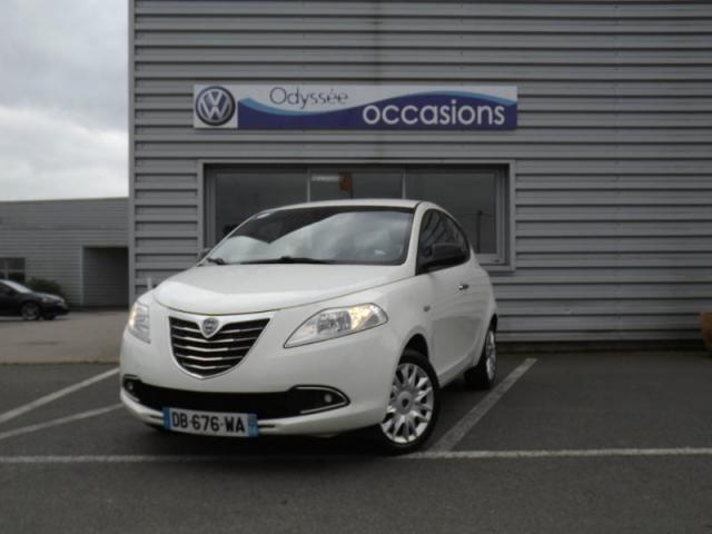 voiture occasion lancia ypsilon 1 2 8v gold stop start 5p. Black Bedroom Furniture Sets. Home Design Ideas
