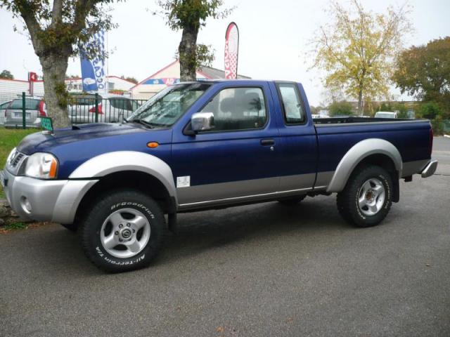 voiture occasion nissan pick up navara 2 5 di king cab 2004 diesel 56400 pluneret morbihan. Black Bedroom Furniture Sets. Home Design Ideas