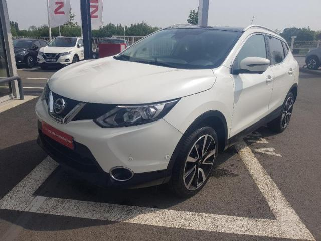 voiture occasion nissan qashqai 1 6 dci 130ch tekna 2015 diesel 35510 cesson s vign ille et. Black Bedroom Furniture Sets. Home Design Ideas