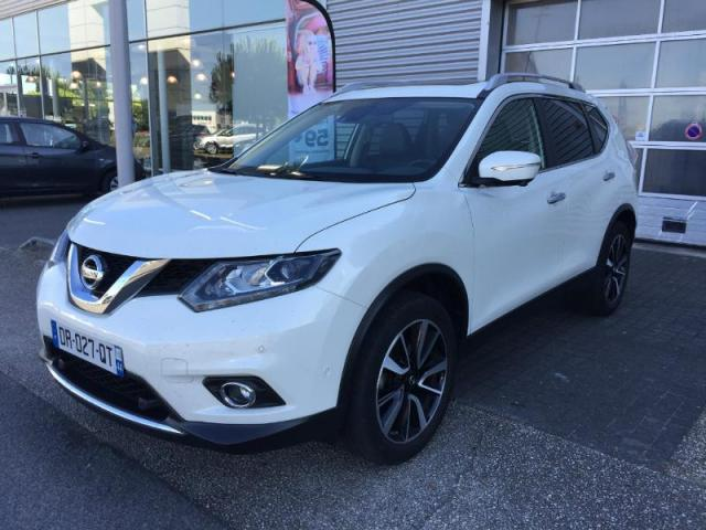 voiture occasion nissan x trail 1 6 dci 130ch tekna euro6 2015 diesel 44600 saint nazaire loire. Black Bedroom Furniture Sets. Home Design Ideas