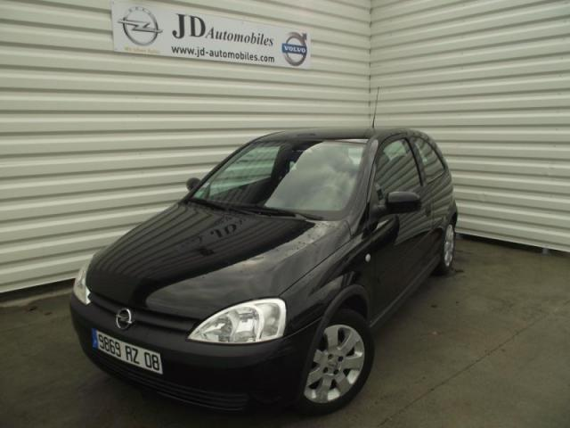 voiture occasion opel corsa comfort 1 2l easytronic 2002