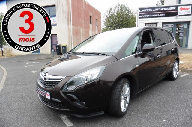 voiture occasion opel zafira tourer 2 0cdti 165 cosmo pack 7 places 2011 diesel 56000 vannes. Black Bedroom Furniture Sets. Home Design Ideas