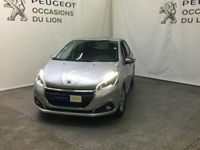 voiture occasion peugeot 208 1 2 puretech 82ch style 5p 2017 essence 14100 lisieux calvados. Black Bedroom Furniture Sets. Home Design Ideas