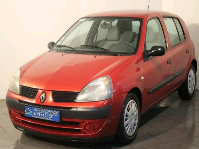 voiture occasion renault clio estate 1 5 dci 65 campus 2005 diesel 29200 brest finist re. Black Bedroom Furniture Sets. Home Design Ideas