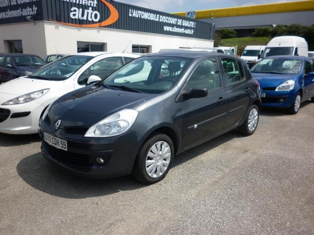 voiture occasion renault clio 1 5 dci 70 expression 5p 2007 diesel 29000 quimper finist re. Black Bedroom Furniture Sets. Home Design Ideas