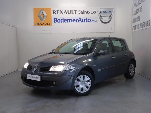 voiture occasion renault megane ii 1 5 dci 85 confort expression 2006 diesel 50000 saint l. Black Bedroom Furniture Sets. Home Design Ideas