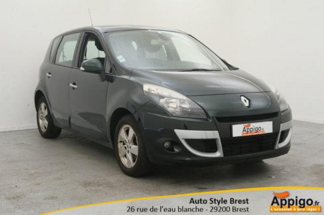 voiture occasion renault scenic 1 5 dci 105ch dynamique 2009 diesel 29200 brest finist re. Black Bedroom Furniture Sets. Home Design Ideas