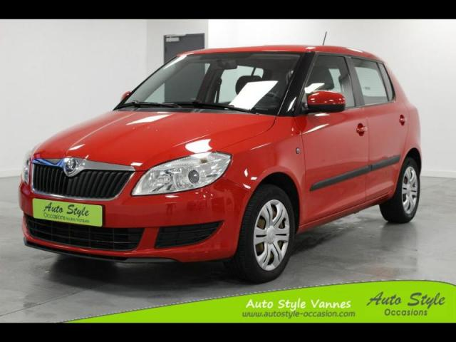 voiture occasion skoda fabia tdi75 fap ambition2 2014 diesel 56450 theix morbihan votreautofacile. Black Bedroom Furniture Sets. Home Design Ideas
