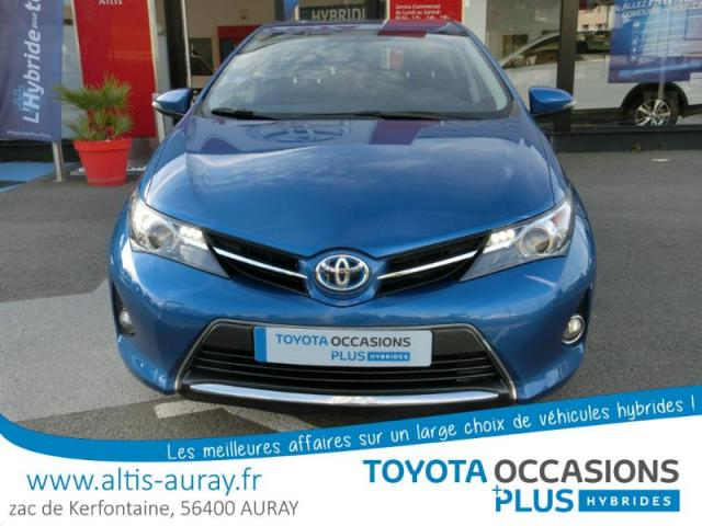 voiture occasion toyota auris hsd 136h business 15 2014 hybride 56400 pluneret morbihan. Black Bedroom Furniture Sets. Home Design Ideas