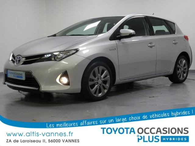 voiture occasion toyota auris hsd 136h dynamic 2013 hybride 56000 vannes morbihan votreautofacile. Black Bedroom Furniture Sets. Home Design Ideas