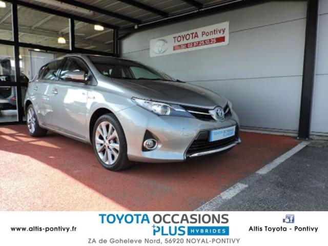 voiture occasion toyota auris hsd 136h dynamic 2013 hybride 56920 noyal pontivy morbihan. Black Bedroom Furniture Sets. Home Design Ideas