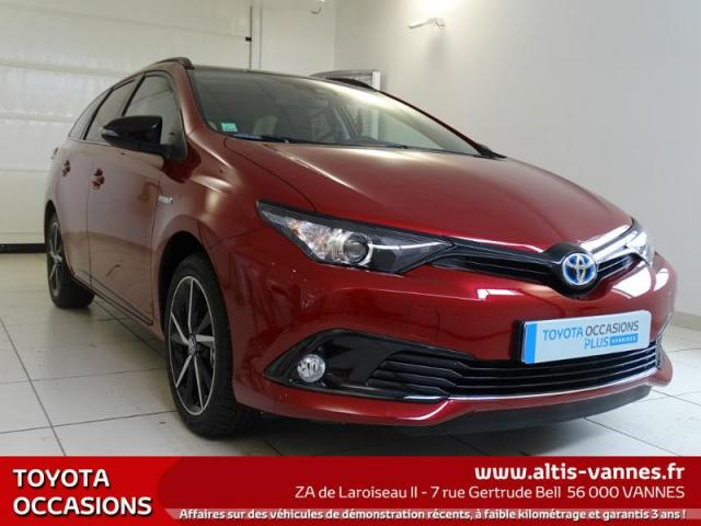 voiture occasion toyota auris hsd 136h collection 2017 hybride 56000 vannes morbihan. Black Bedroom Furniture Sets. Home Design Ideas