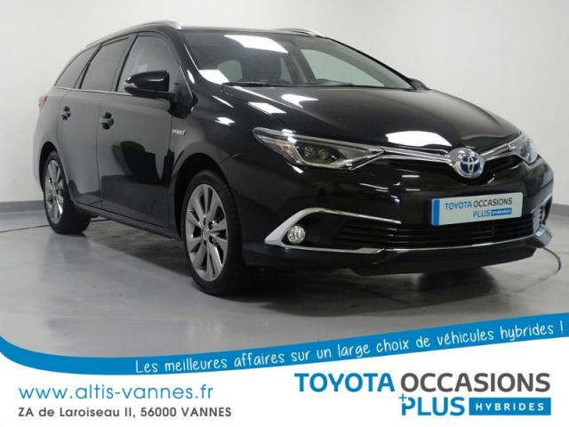 voiture occasion toyota auris hsd 136h executive 2015 hybride 56000 vannes morbihan. Black Bedroom Furniture Sets. Home Design Ideas