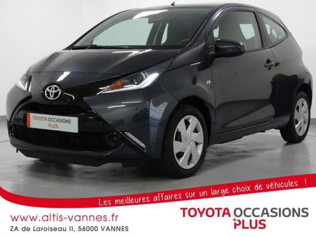 voiture occasion toyota aygo 1 0 vvt i 69ch stop start x play 3p 2014 essence 56000 vannes. Black Bedroom Furniture Sets. Home Design Ideas
