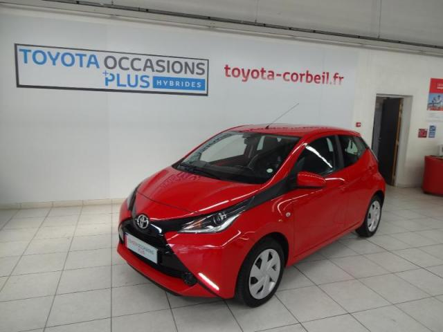 voiture occasion toyota aygo 1 0 vvt i 69ch x play 5p 2015 essence 91150 tampes essonne. Black Bedroom Furniture Sets. Home Design Ideas