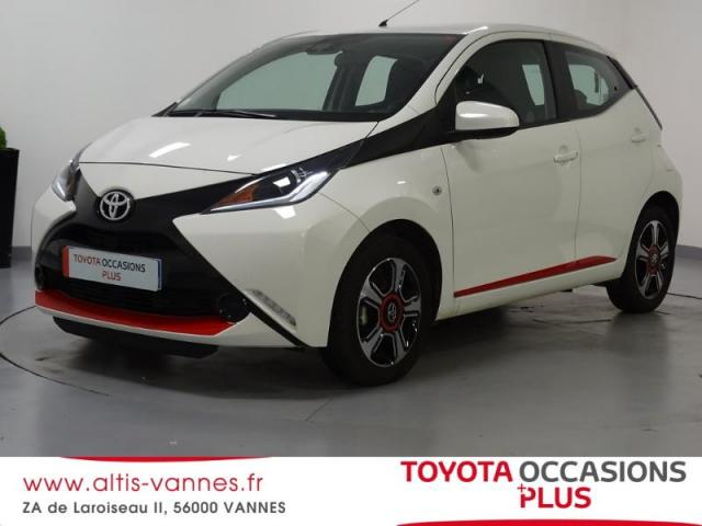 voiture occasion toyota aygo 1 0 vvt i 69ch x play 5p 2016 essence 56000 vannes morbihan. Black Bedroom Furniture Sets. Home Design Ideas