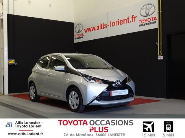 voiture occasion toyota aygo 1 0 vvt i 69ch x play 5p 2017 essence 56600 lanester morbihan. Black Bedroom Furniture Sets. Home Design Ideas