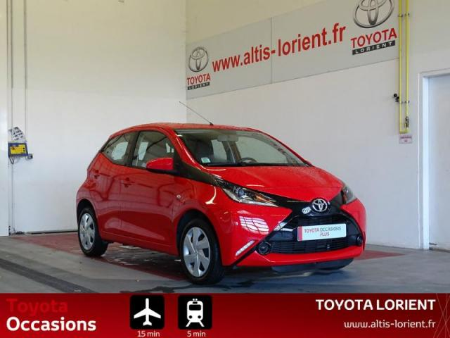 voiture occasion toyota aygo 1 0 vvt i 69ch x play touch 5p 2016 essence 56600 lanester morbihan. Black Bedroom Furniture Sets. Home Design Ideas