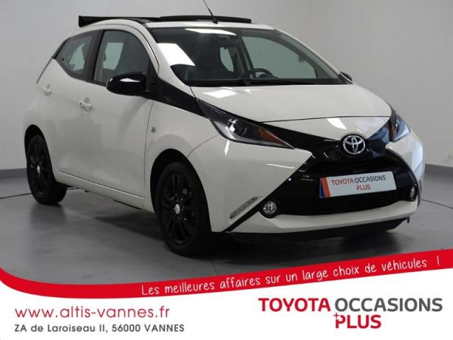 voiture occasion toyota aygo 1 0 vvt i 69ch x wave 2 5p 2016 essence 56000 vannes morbihan. Black Bedroom Furniture Sets. Home Design Ideas