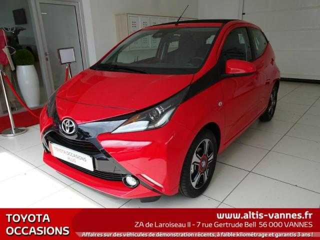 voiture occasion toyota aygo 1 0 vvt i 69ch x wave 3 x shift 5p 2017 essence 56000 vannes. Black Bedroom Furniture Sets. Home Design Ideas