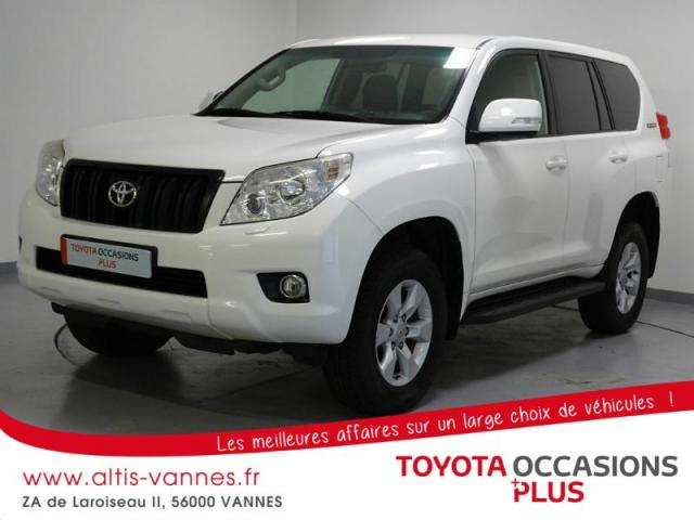 voiture occasion toyota land cruiser 190 d 4d fap lecap 5p 2011 diesel 56000 vannes morbihan. Black Bedroom Furniture Sets. Home Design Ideas