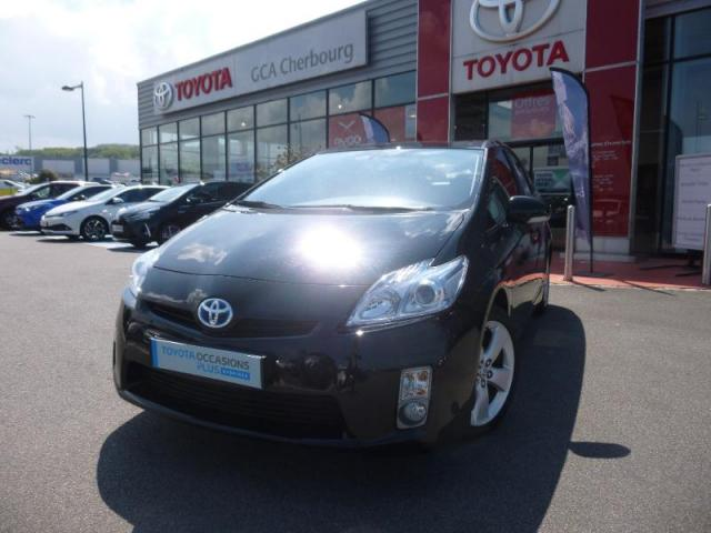 voiture occasion toyota prius 136h dynamic 17 2013. Black Bedroom Furniture Sets. Home Design Ideas
