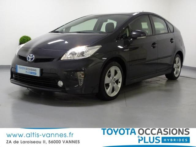 voiture occasion toyota prius 136h dynamic 17 2014 hybride 56000 vannes morbihan votreautofacile. Black Bedroom Furniture Sets. Home Design Ideas