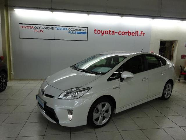 voiture occasion toyota prius 136h dynamic 17 2015 hybride 91100 corbeil essonnes essonne. Black Bedroom Furniture Sets. Home Design Ideas