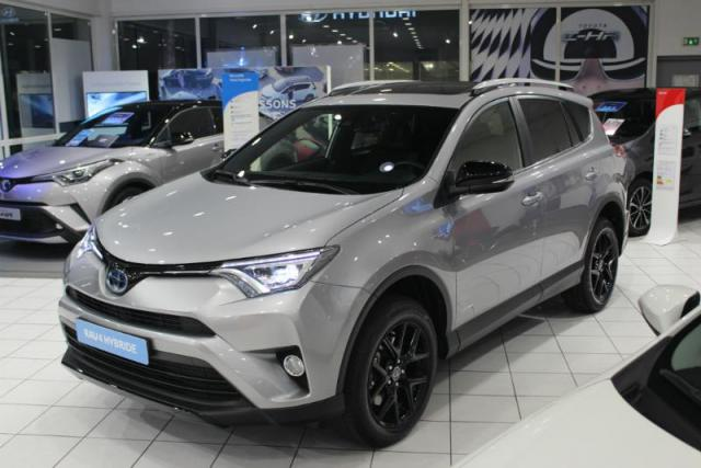 voiture occasion toyota rav4 197 hybride black edition 2wd cvt 2017 hybride 91150 tampes. Black Bedroom Furniture Sets. Home Design Ideas