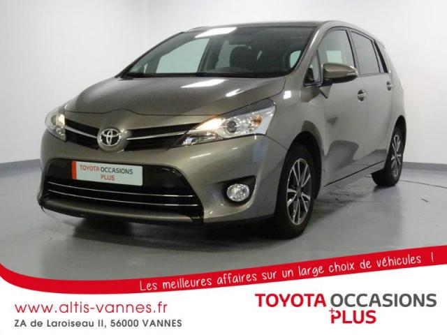 voiture occasion toyota verso 112 d 4d skyblue 5 places 2014 diesel 56000 vannes morbihan. Black Bedroom Furniture Sets. Home Design Ideas