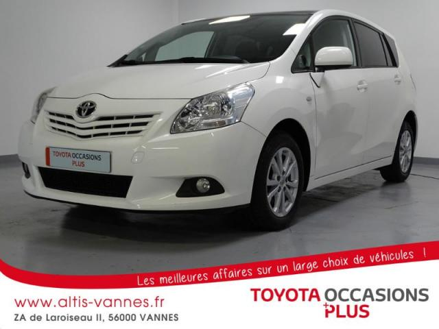 voiture occasion toyota verso 126 d 4d fap skyview connect 5 places 2011 diesel 56000 vannes. Black Bedroom Furniture Sets. Home Design Ideas