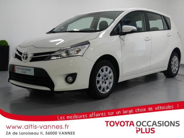 voiture occasion toyota verso 132 vvt i active 7 places 2015 essence 56000 vannes morbihan. Black Bedroom Furniture Sets. Home Design Ideas