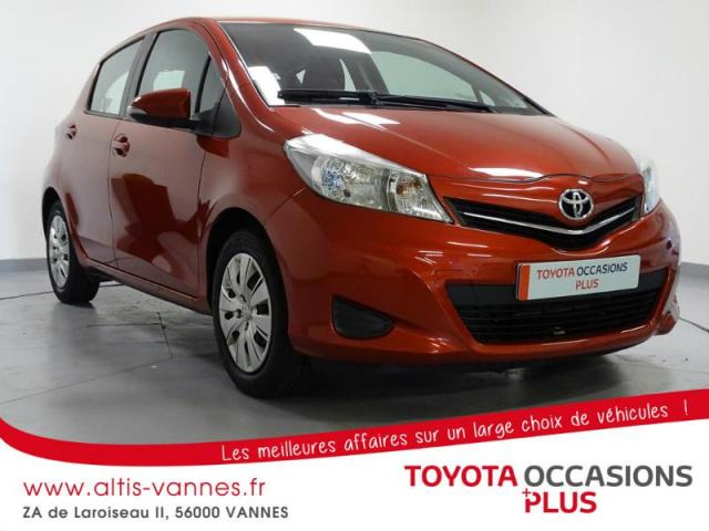 voiture occasion toyota yaris 100 vvt i dynamic 5p 2012 essence 56000 vannes morbihan. Black Bedroom Furniture Sets. Home Design Ideas