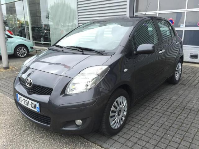 voiture occasion toyota yaris 90 d 4d confort 5p 2010 diesel 44600 saint nazaire loire. Black Bedroom Furniture Sets. Home Design Ideas