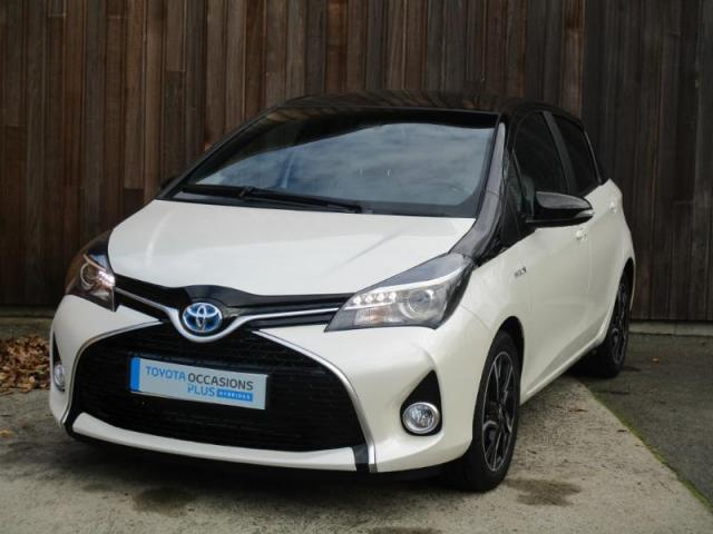 voiture occasion toyota yaris hsd 100h collection 5p 2016 hybride 35430 saint jouan des gu rets. Black Bedroom Furniture Sets. Home Design Ideas