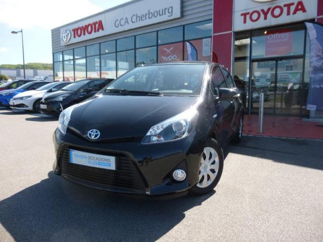 voiture occasion toyota yaris hsd 100h dynamic 5p 2013 hybride 50110 tourlaville manche. Black Bedroom Furniture Sets. Home Design Ideas