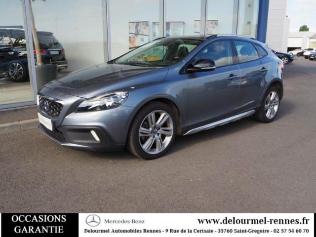 voiture occasion volvo v40 d3 150ch start stop momentum geartronic 2015 diesel 35760 saint. Black Bedroom Furniture Sets. Home Design Ideas