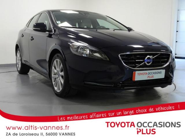voiture occasion volvo v40 d3 150ch summum 2015 diesel 56000 vannes morbihan votreautofacile. Black Bedroom Furniture Sets. Home Design Ideas