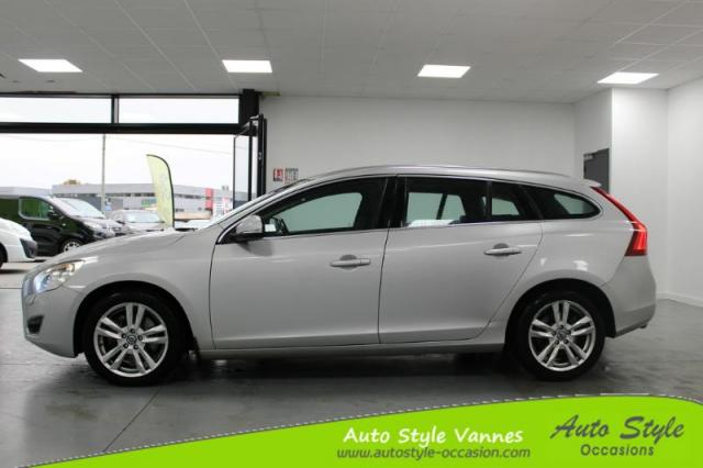 voiture occasion volvo v60 d5 215ch summum geartronic 2011 diesel 56450 theix morbihan. Black Bedroom Furniture Sets. Home Design Ideas