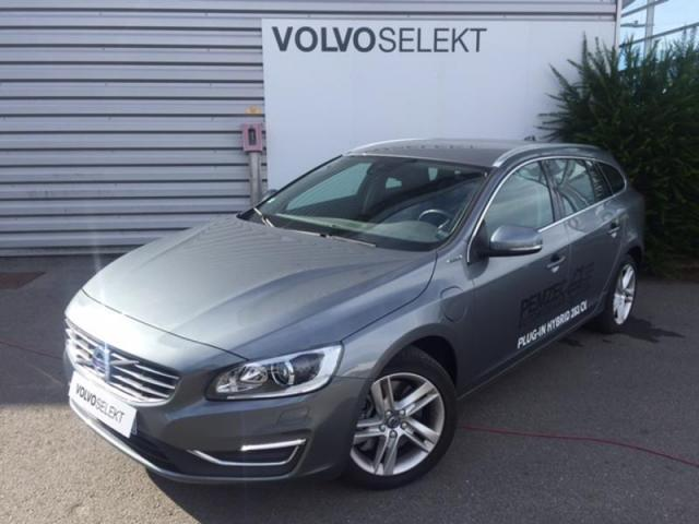 voiture occasion volvo v60 d6 twin engine 220 68ch awd summum geartronic 6 2015 hybride 35600. Black Bedroom Furniture Sets. Home Design Ideas