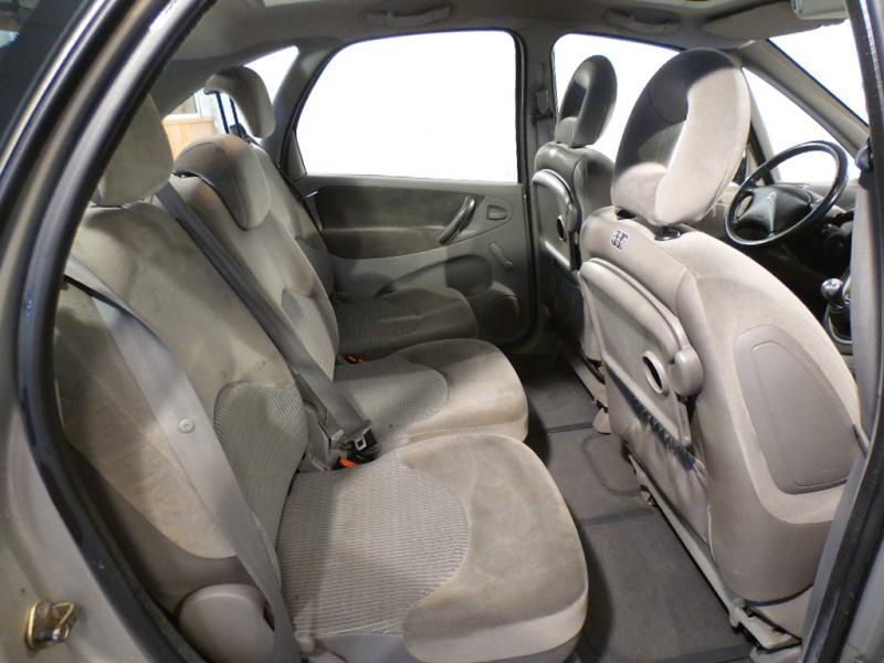 voiture occasion citroen xsara picasso 1 6 hdi 92 2007. Black Bedroom Furniture Sets. Home Design Ideas